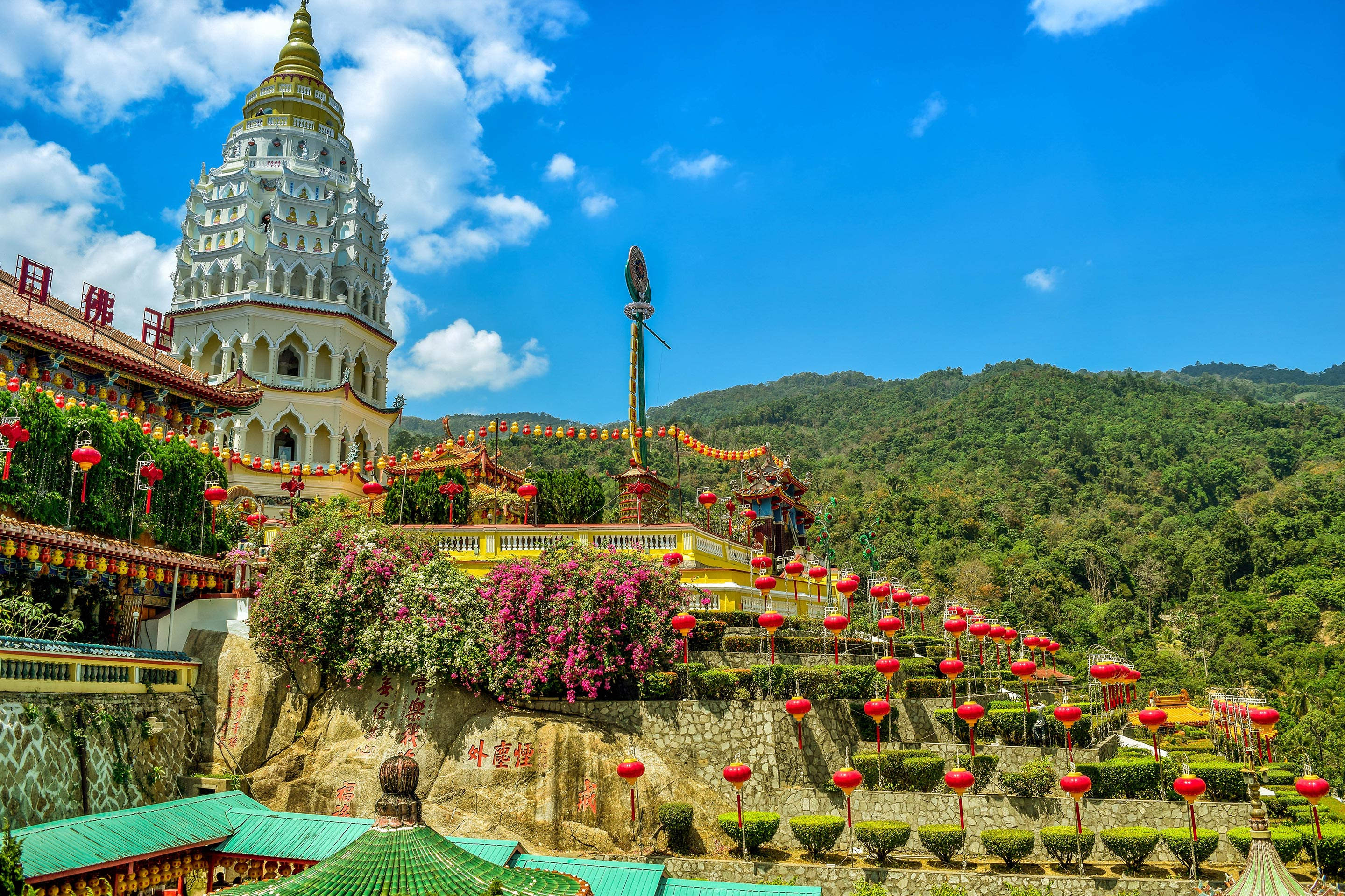 Color temple located in Penang, Malaysia called 'Kek Lok Si'