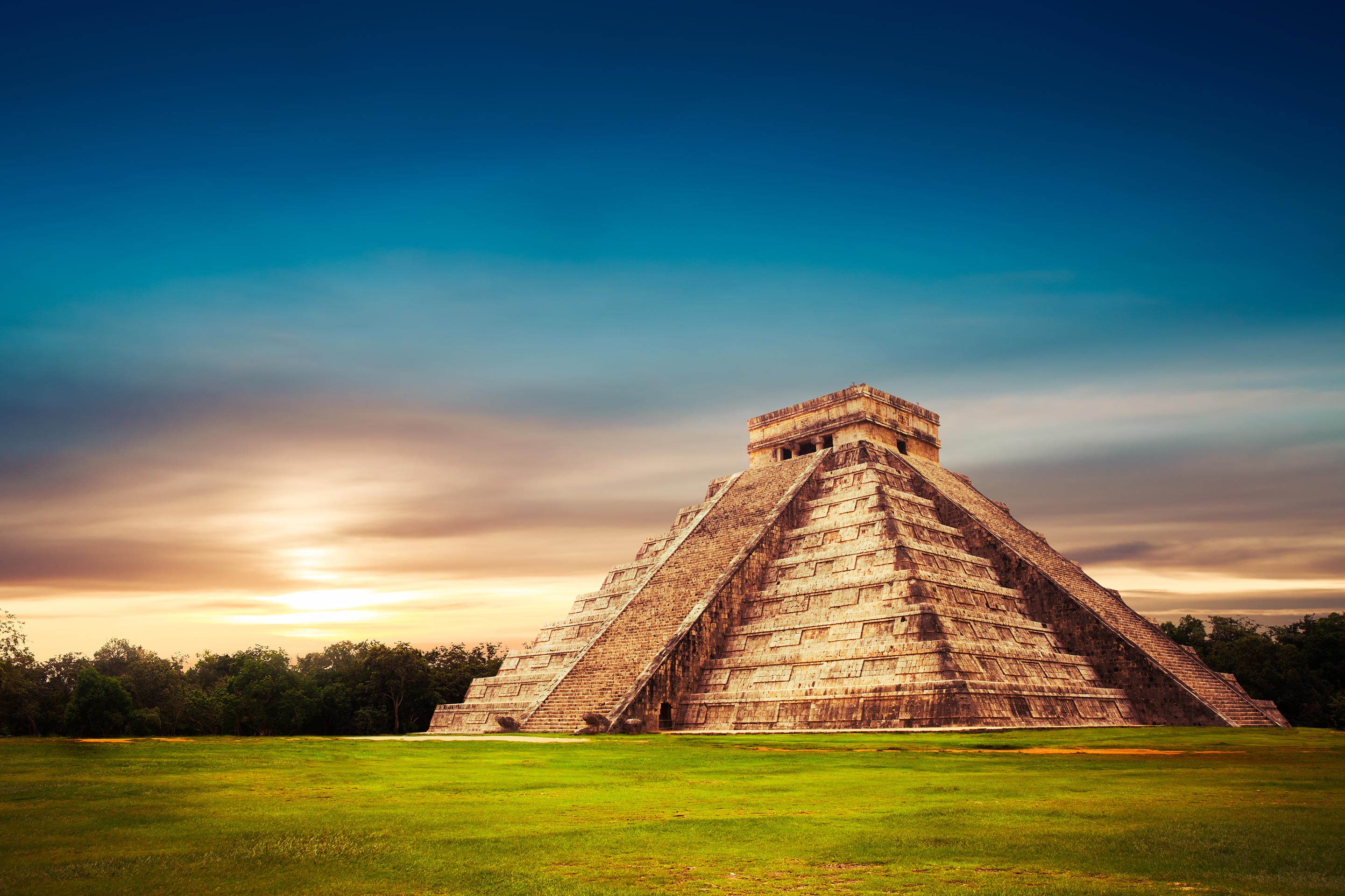 Pyramid, Temple of Kukulkan, Chichen Itza, Yucatan, Mexico.